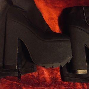 2906d237146 YRU Shoes - YRU Labyrinth black size 7   38